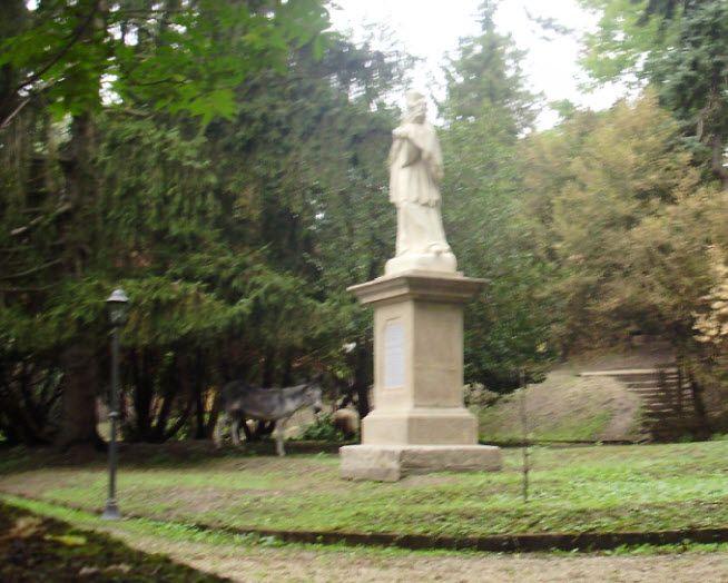 Migazzi Kristóf - Püspöki palota kijavítva. Sokáig törött volt, lésd lentebb