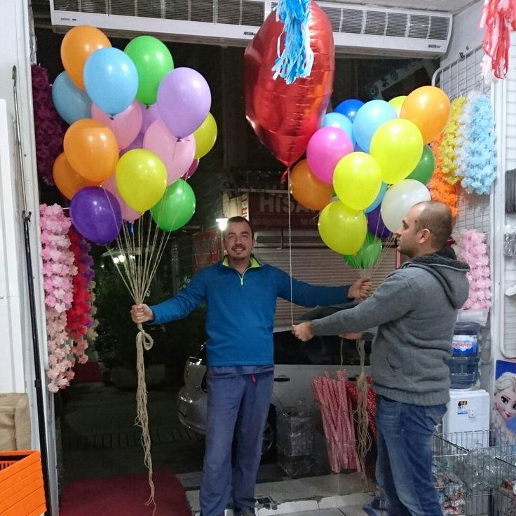 Evlenme teklifi için hazırlanan helyum lu balonlar hazırlandı