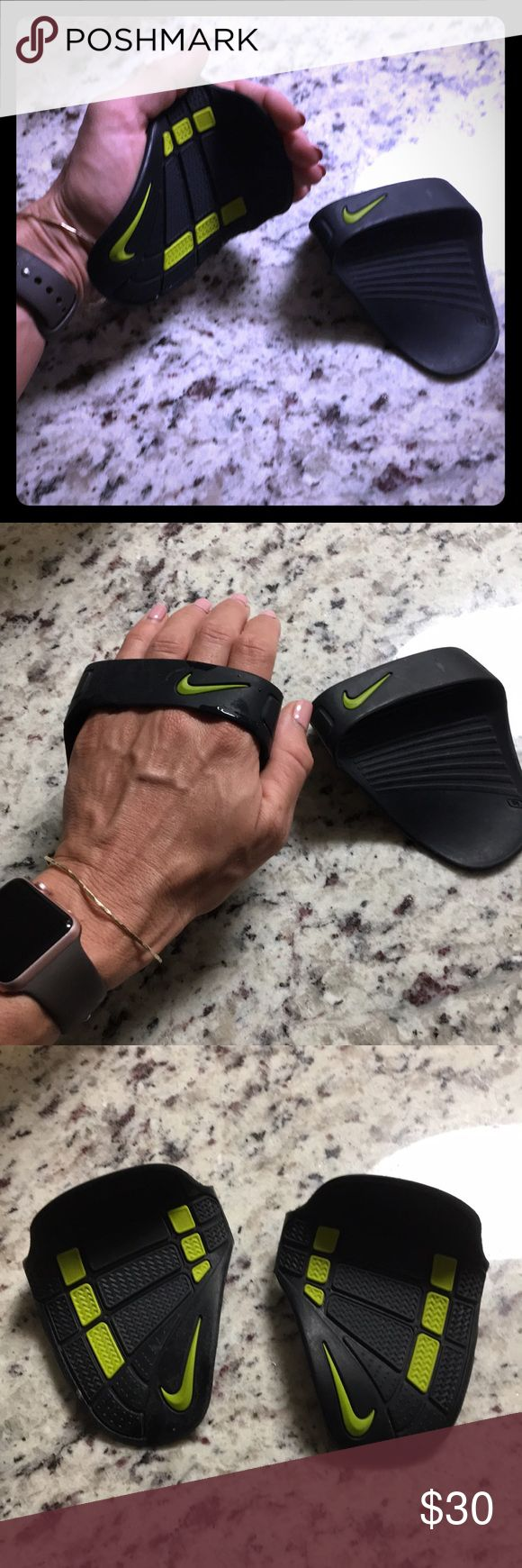 Nike Rubber Weight lifting Gloves • OS New Nike weight lifting gloves. One size. Rubber/ plastic Nike Accessories Gloves & Mittens