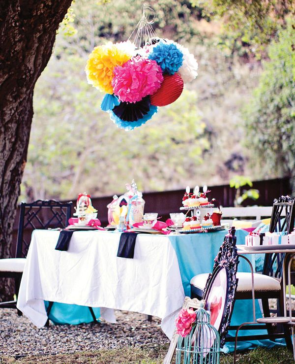 Alice in Wonderland Party | LOOK at this incredibly beautiful Alice in Wonderland Themed Party!!