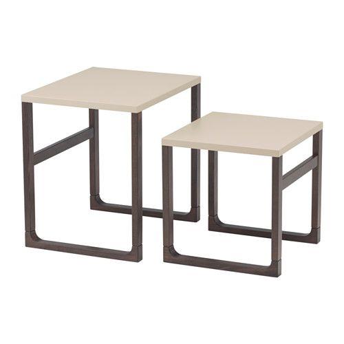 RISSNA 茶几,2件套裝 IKEA 可分開獨立使用或疊放在一起 光面設計,可反射光線,使傢具更明亮 實木製檯腳,耐用的天然物料