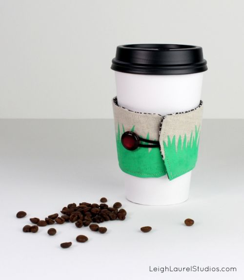 DIY Coffee Holder To Personalize Your Cup | Shelterness