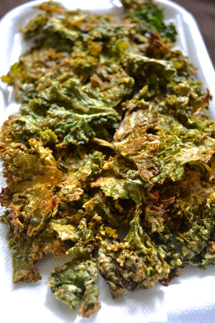 Super Cheezy Kale Chips :) + 7 Fool proof Kale Chips tips   Yes, I am Vegan :)