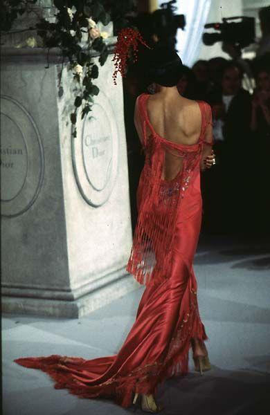 1997 - John Galliano 4 Dior Couture show - Irina Pantaeva