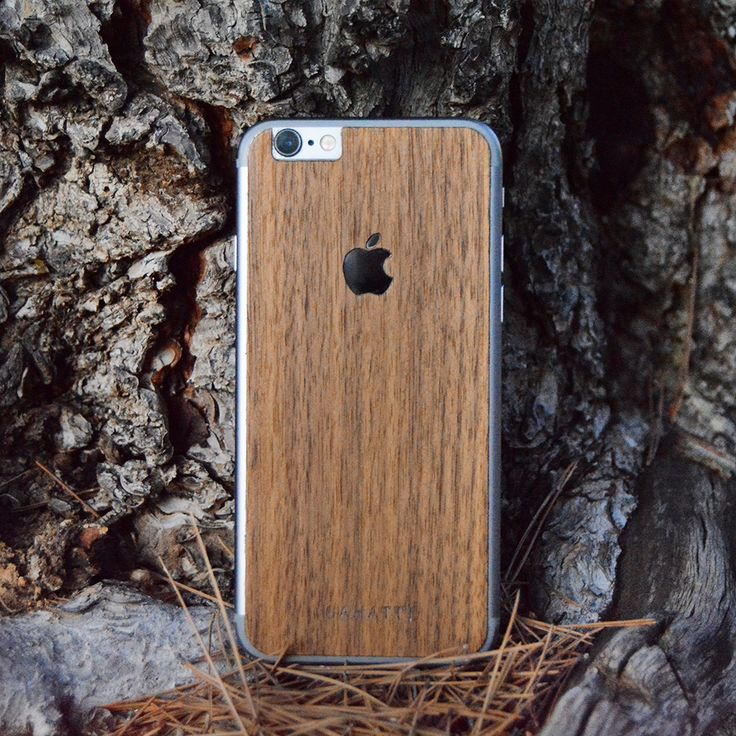 Funda de madera para iPhone WALNUT. Madera natural de nogal americano cortada a medida para tu Mac. Cada unidad es diferente, personal y única. WALNUT iPhone natural wooden cover for #iPhone4 #iPhone4s #iPhone5 #iPhone5s #iPhone6 #iPhone6s #iPhone6splus #iPhone6plus Every cover is original and every cover is different, get your sahatt style whit these covers.