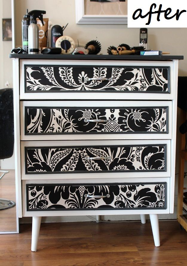 DIY : Redo a old melamine furniture with paint, molding and wallpaper. Meuble en mélamine retapé avec de la peinture, des moulures et du papier peint (tapisserie).