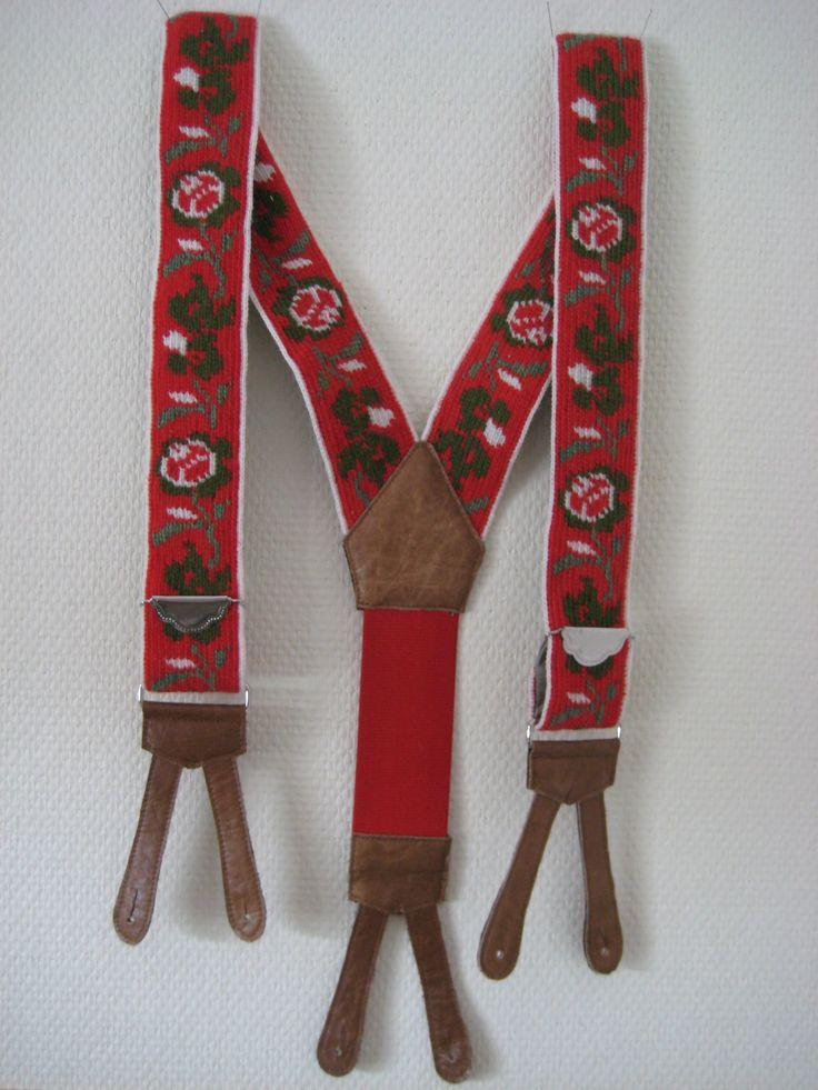 Braces. Virkade hängslen efter förlaga från Nordiska museet.