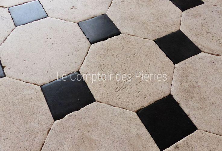 Dallage en pierre de Bourgogne Chagny clair et pierre Bleue Finition Antiquaire 25 x 25 cm, cabochons 9,5 x 9,5 cm