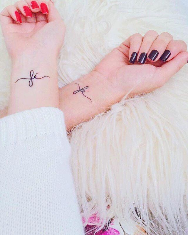 WEBSTA @ tacielealcolea - Ela me me inspira, protege e é minha melhor amiga e agora temos a nossa tatuagem pra nunca esquecer que nossa ligação é infinita e a fé que nos trouxe até aqui é a mesma que vai nos levar além Te amo Mamis @marciaalcolea Amamos @marcosbelinassi