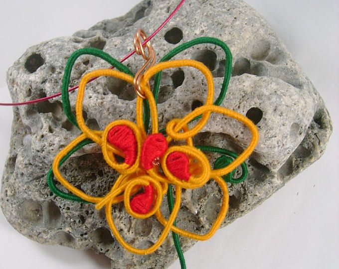 Sunflower yarn-wrapped / yellow and red&green/ cotton yarns/ thread-wrapped/ handmade/necklaces/pendants