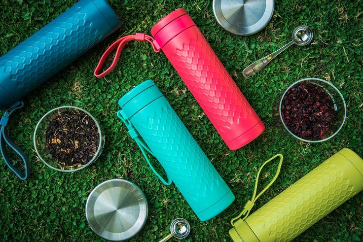 Travel Mug Acero Inoxidable // Disfruta del té a granel llevándolo contigo a todos lados!! Contiene un infusor de acero inoxidable, una correa flexible y doble pared de acero inoxidable para mantener la temperatura.