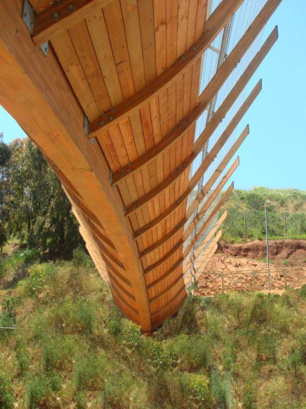 Puente peatonal en Zapallar by Enrique Browne (Ruta F-30-E, Zapallar, V Región, Chile)