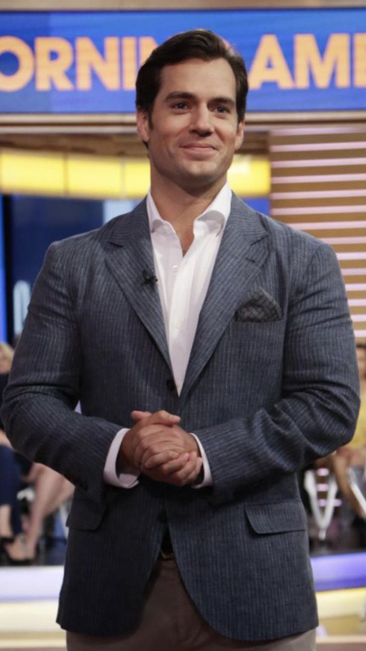 Henry Cavill   Suit jacket, Single breasted suit jacket