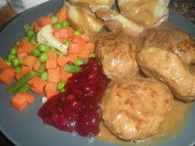 Sorieya's Homemade Cooking: Traditional Norwegian Food - meatballs and gravy