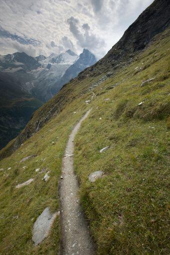Valais Sentier de Sorebois à la  cabane du Petit Mountet /  Zinal / Val d'Herens
