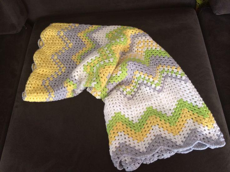 Manta de bebe realizada en croché