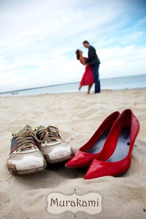 http://blvj.murakamiphotography.co.uk/blog/2010/vj-romantic-vintage-style-pre-wedding.jpg