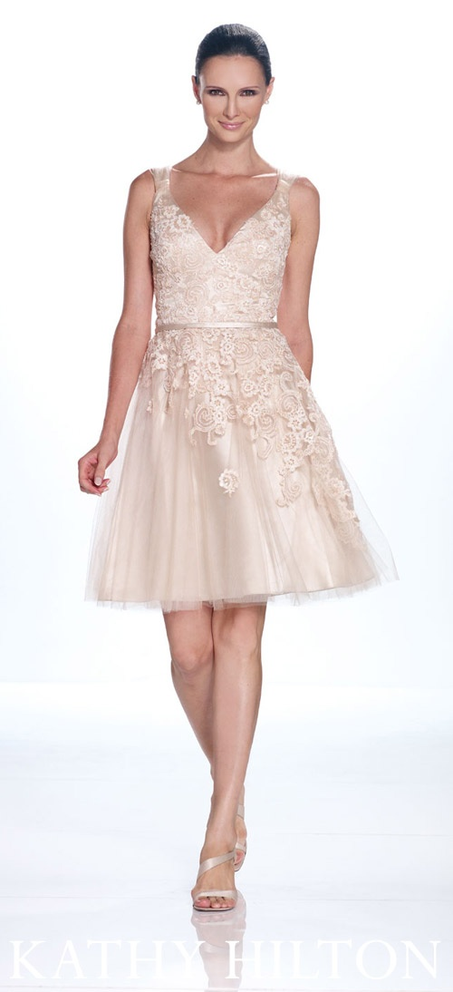 ummmm. wow. absolutely. gorgeous. I NEED THIS DRESS, now please ;)     Kathy Hilton spring collection