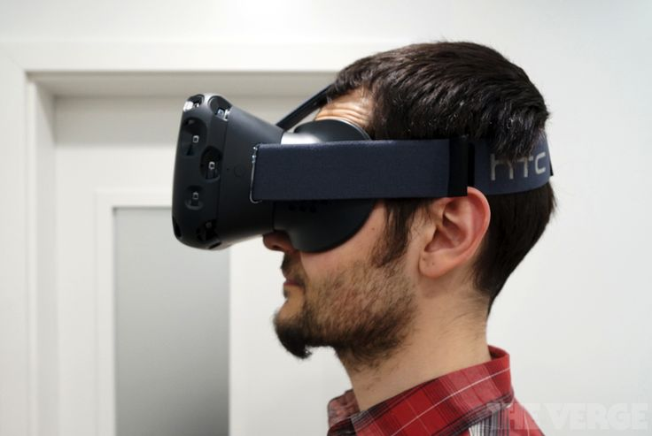 """HTC Vive VR headset delayed until April Afteroriginally promising to ship units before the end of 2015 HTC has now announced that its Vive VR headset won't be available to consumers until April of next year. The companyposted a statement on its blog (which is currently offline) attempting to """"clear up speculation and misinformation"""" about the launch confirming the delay. """"We will be starting the new year by making an additional 7000 units available to developers followed by commercial…"""