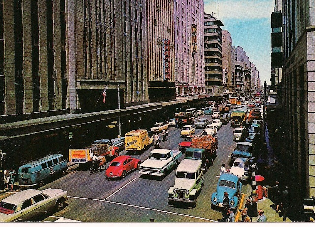 # Johannesburg - Commissioner Street in the 1960's (© http://chocolattnegro.blogspot.com/)