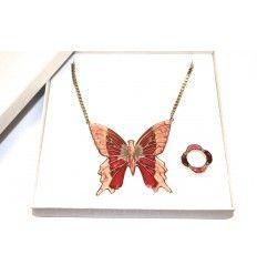 @ipstyle_it    Cofanetto Mystic  #ITALIANPROJECT STYLE italian brand #fluo #neon #fluorescent on night #neckalce #cuffs #earrings #bracelets #rings #jewels #bijoux #butterfly #red