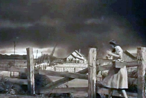 The Wizard Oz | How they created the tornado in the Wizard of Oz (video)