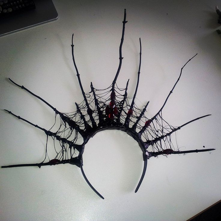 evil queen crown I could make this