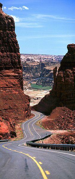 Utah State Highway 95 (Bicentennial Highway) Hite Crossing Bridge, Glen Canyon…