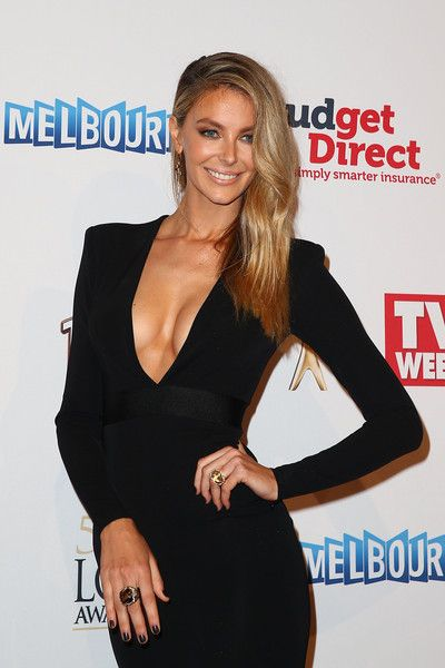 Jennifer Hawkins - 2015 Logie Awards - Arrivals - LBD