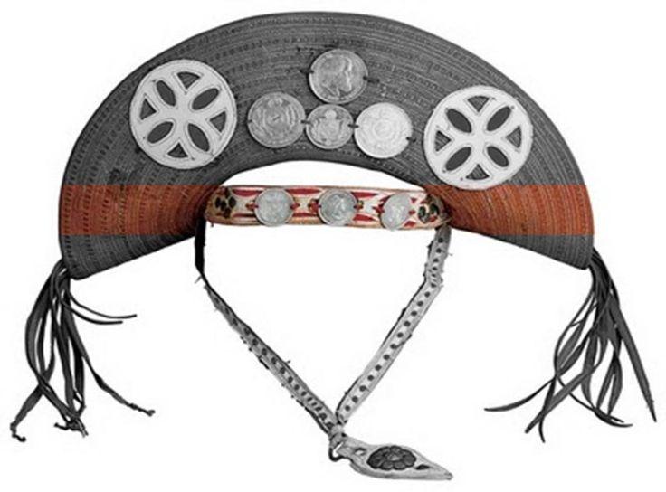 O chapéu de cangaceiro é famoso por ser uma peça que caracterizava um famoso personagem da história do nosso país, o Lampião. Modelos exclusivos especialme