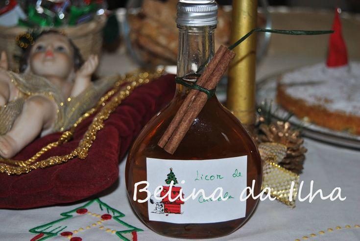 Depois de ver a receita deste licor no blog da  Mónica tive logo vontade de experimentar, tal como lhe disse. Gostei muito, enchi várias...