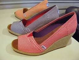 Toms shoes are designed in the latest style and the match of color will attract your eye sight wherever they are.$19.50