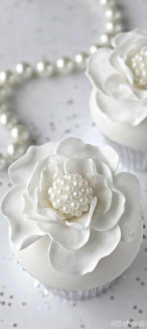 Wedding ● Dessert ● Cupcakes