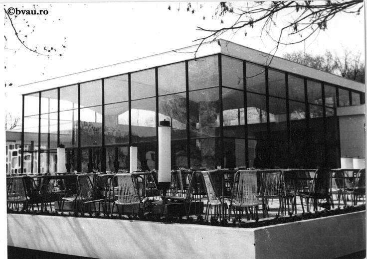 """Cazinoul Brateș, 1969, Galați, România. Imagine din colecțiile Bibliotecii """"V.A. Urechia"""" Galați."""