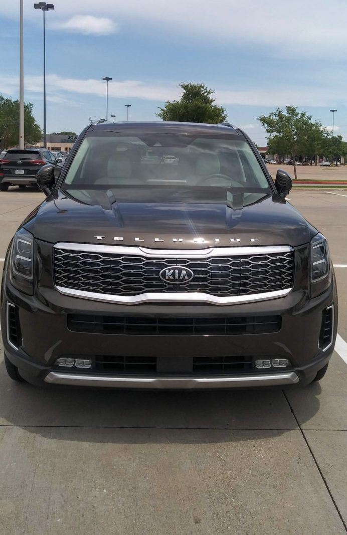 2020 Kia Telluride Bespoke Details At An Off The Rack Price A Girls Guide To Cars In 2020 Kia Hybrid Car Telluride