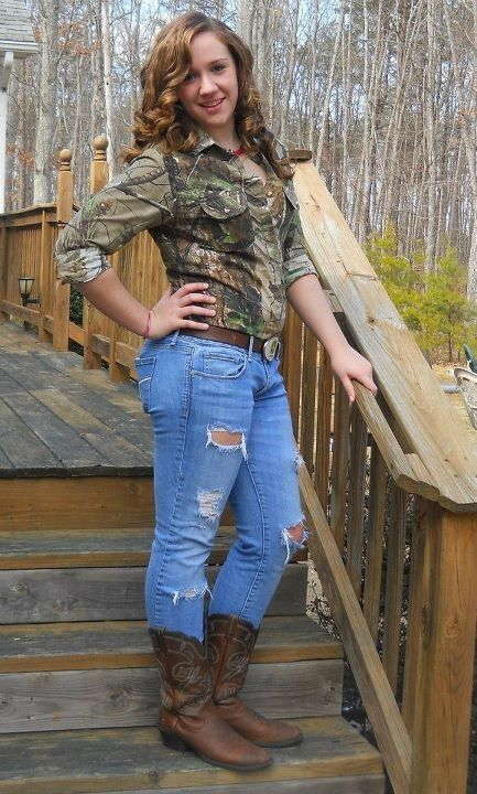 country girls and jacked up ford trucks | 202 Past ...