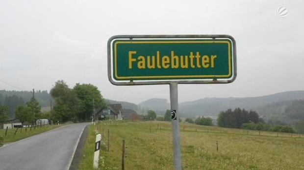 Von Fickmühlen bis nach Tittenkofen – das sind die 11 witzigsten Ortsnamen in Deutschland!