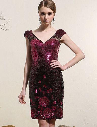 Vestido Corte Recto - Escote en V - Corto – USD $ 159.99