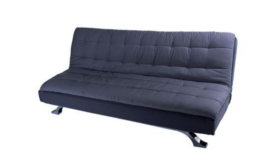 Sofá cama de tres plazas con apertura clic clac. Tapizado en ottoman en dos tonos grises.