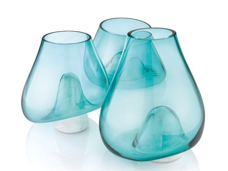 Vaso in vetro soffiato con base in marmo di Carrara