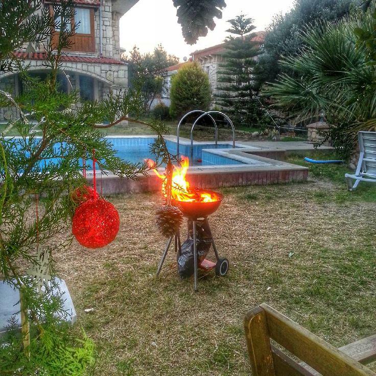 """""""#homesweethome #bahçe demek mangal keyfi demek benim için. #grill #yummy"""""""