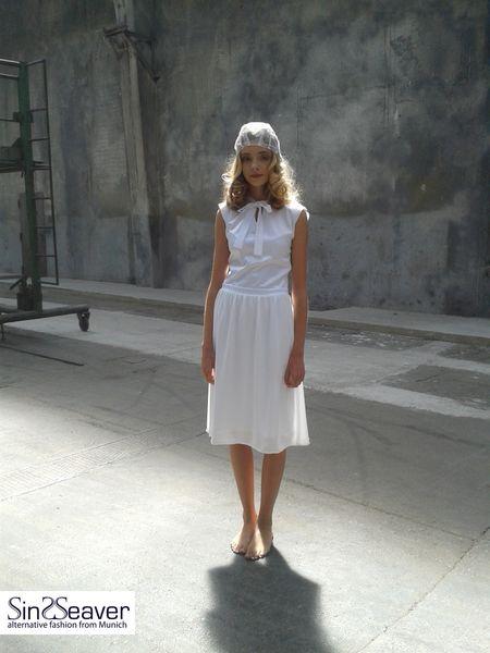 Elegantes Sommerkleid knielang mit Schleife von SinWeaver alternative fashion from Munich auf DaWanda.com
