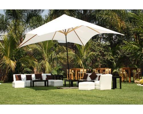 Montaje en exterior con sala lounge y sombrilla jard n for Sombrillas de jardin