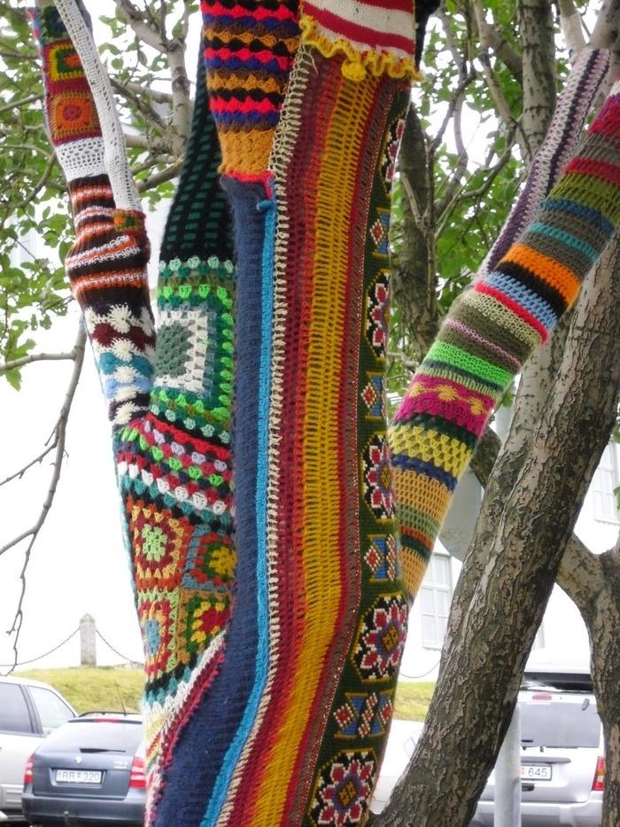 12 best Guerrilla Knitting images on Pinterest   Yarn bombing, Urban ...