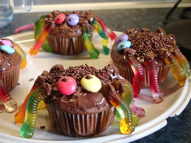 Spinnenmuffins für Halloween, ein gutes Rezept aus der Kategorie Kuchen. Bewertungen: 25. Durchschnitt: Ø 4,0.