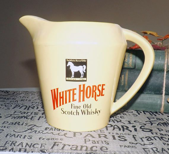 Vintage c. late 1960s  early 1970s White Horse Fine Old