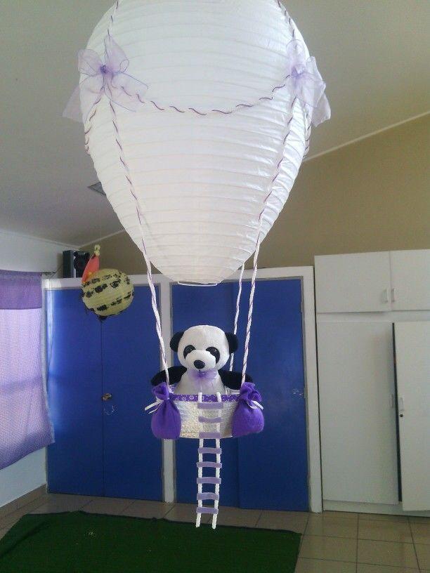 Globo aerostático decorativo para sala kinder.
