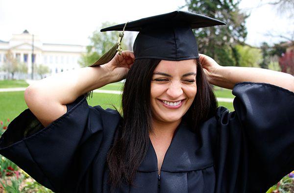 Cel mai frumos cadou de absolvire este unul de calitate si personalizat care il va ajuta sa plece cu dreptul in viata.