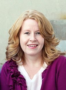 Come meet blogger Sue McNelly of the Kindred Past blog as interviewed by Michelle Taggart at GeneaBloggers! #genealogy