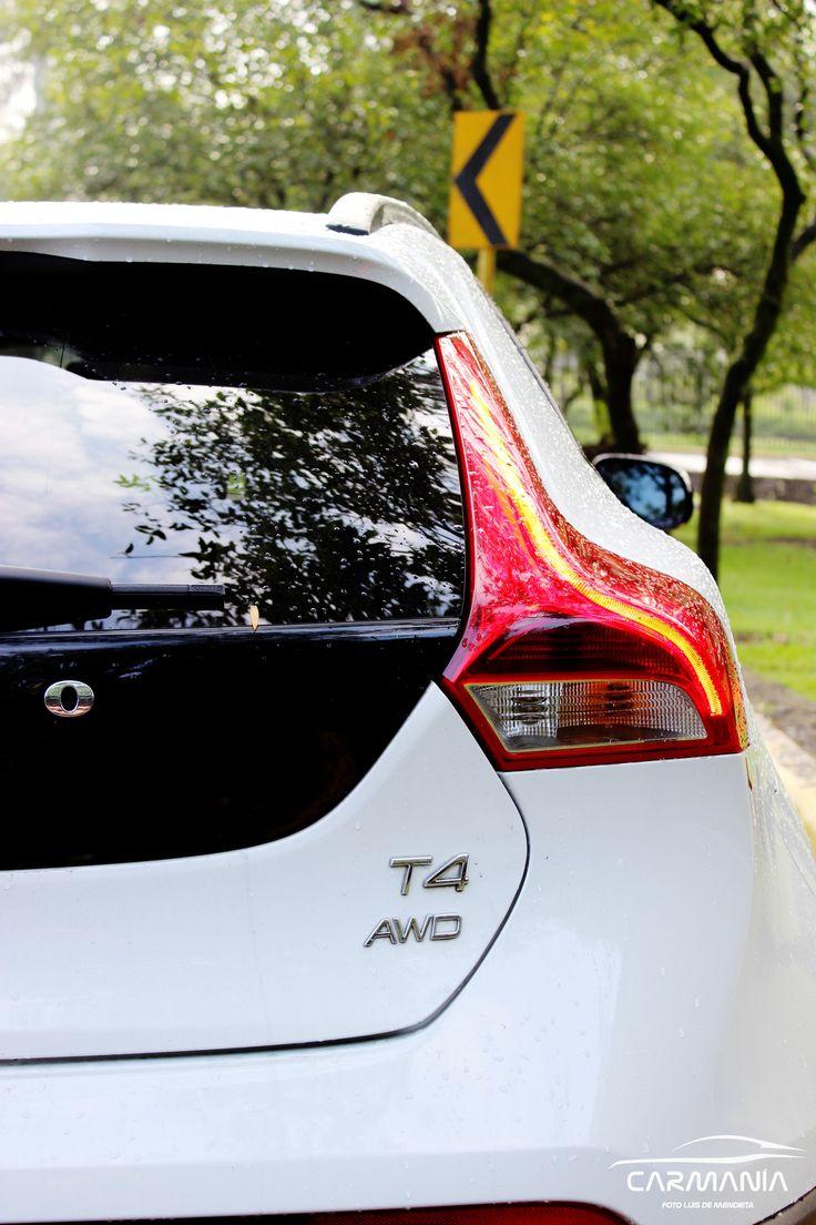 Prueba CarManía Volvo V40 CC por @luisdemen  Puedes ver todas las reseñas semanales en: www.carmania.mx